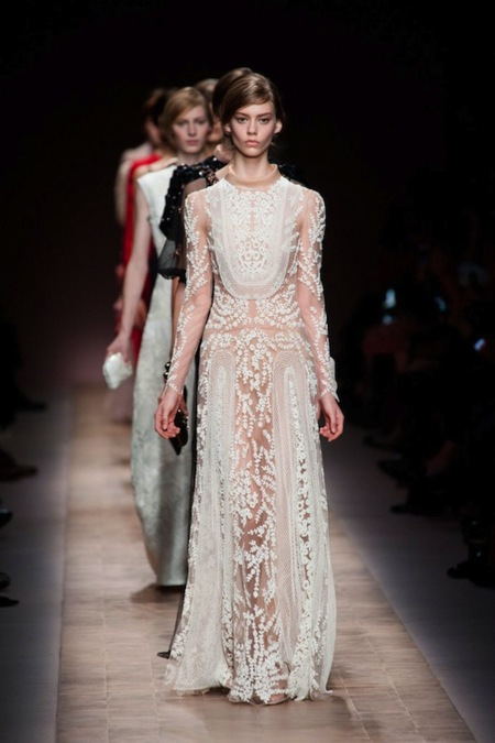 Valentino Primavera-Verano 2013: desnudez romántica y repleta de elegancia