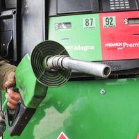Hacienda quiere subir el precio de la gasolina en México cuando el precio del petróleo baje