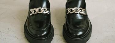 Siete mocasines con cadena que prometen unos centímetros extra sin renunciar a la comodidad ni al estilo