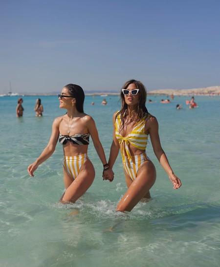 Los bikinis (y los bañadores) a rayas invadirán la playa este verano 2018