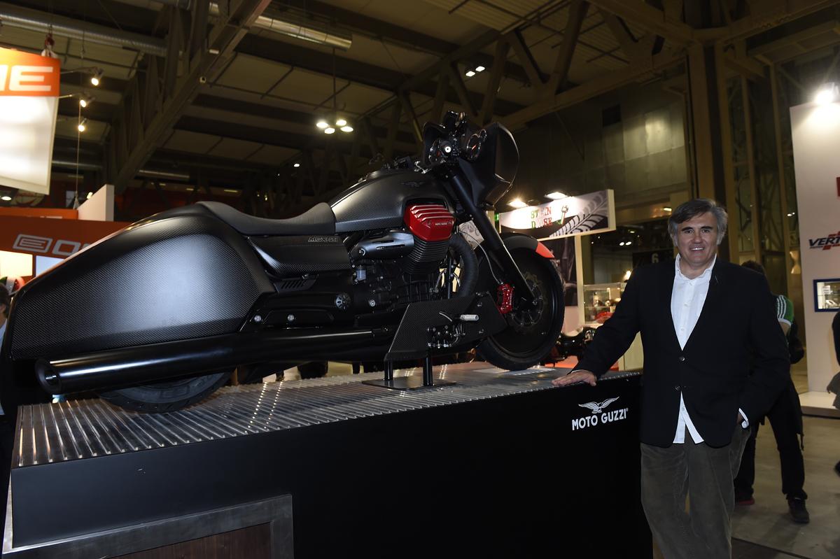 Foto de Moto Guzzi MGX-21 bagger a la italiana (6/12)