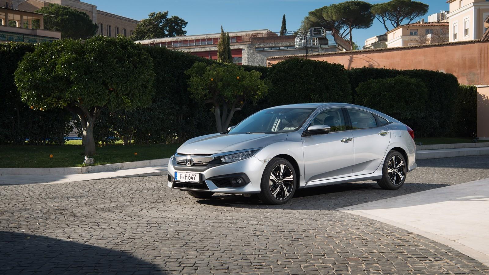 Foto de Honda Civic 4 puertas (4/37)