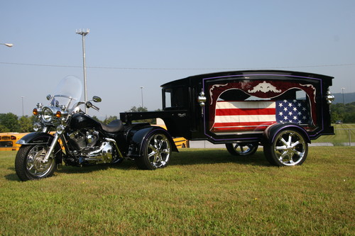 Esta empresa crea motos fúnebres para llevar los féretros de los más moteros hacia su última ruta