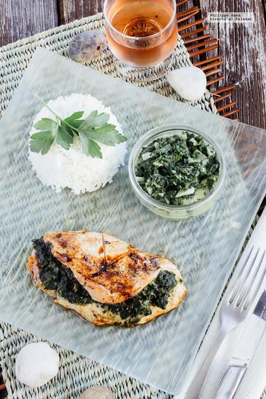 Pechuga de pollo rellena de espinacas y queso azul. Receta