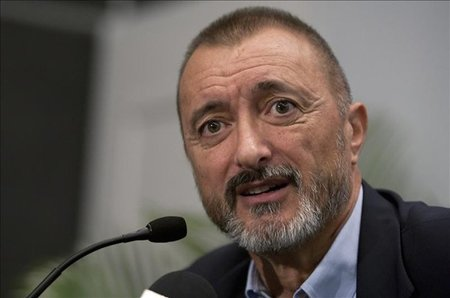 Arturo Pérez Reverte condenado por plagio a pagar 80.000 euros