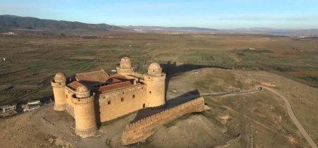 Sobrevolando el Castillo de La Calahorra, Granada