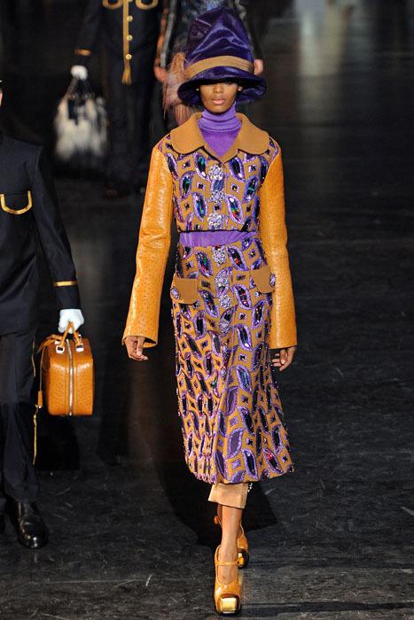 Foto de Louis Vuitton Otoño-Invierno 2012/2013 (1/50)