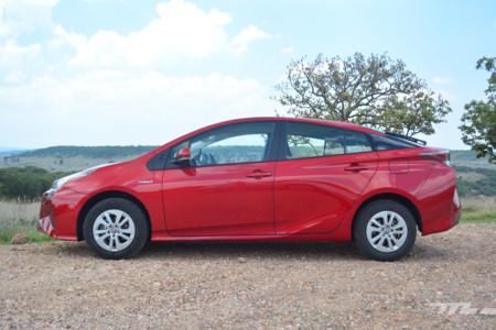 Toyota Prius 4