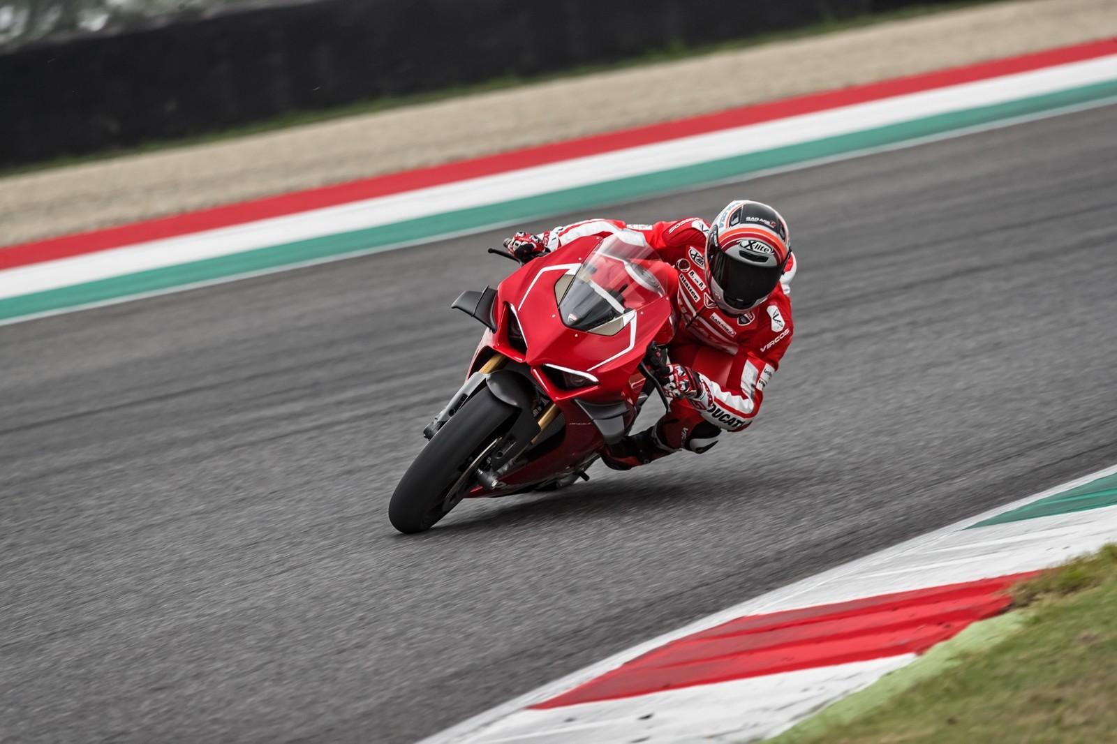 Foto de Ducati Panigale V4 R 2019 (42/87)
