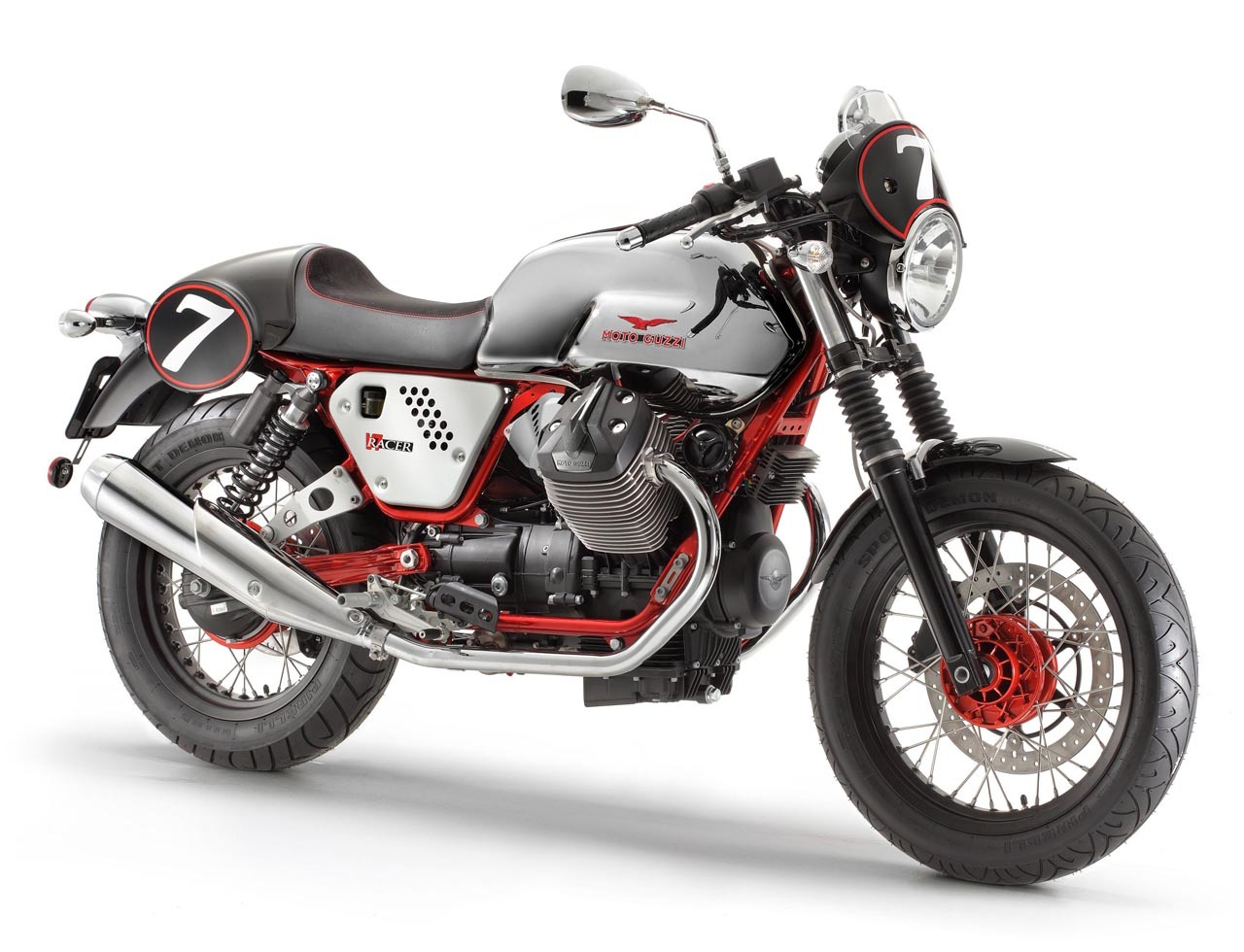 Foto de Moto Guzzi V7 Racer (1/50)