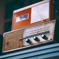 El secreto de la radio: el único medio que (casi) no cambia cuando todo lo demás sí