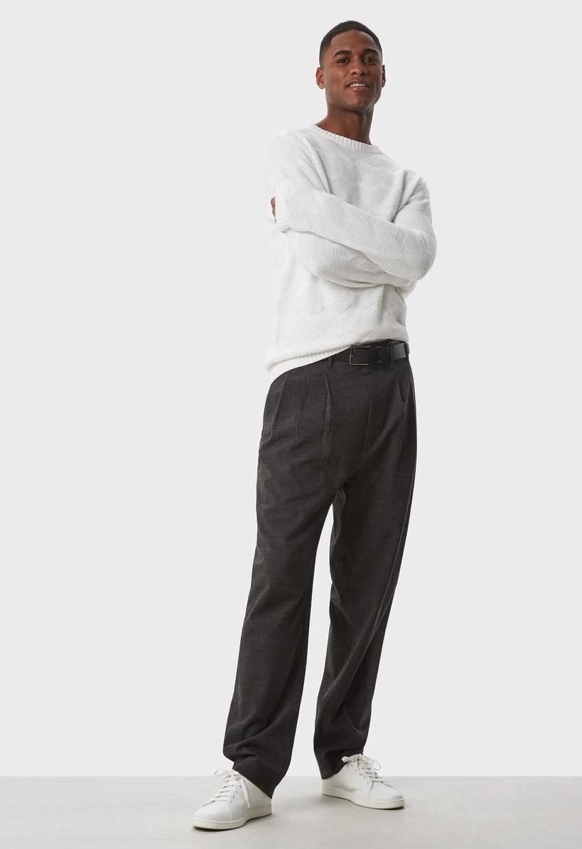 Pantalón de pinzas gris oscuro