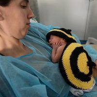 Los bebés ingresados en la UCIN del Hospital Clínic también se disfrazan por Carnaval