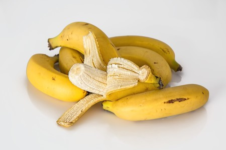 Banana 614090 1280