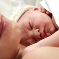 ¿Crees que la Sanidad pública debería financiar el parto domiciliario? La pregunta de la semana