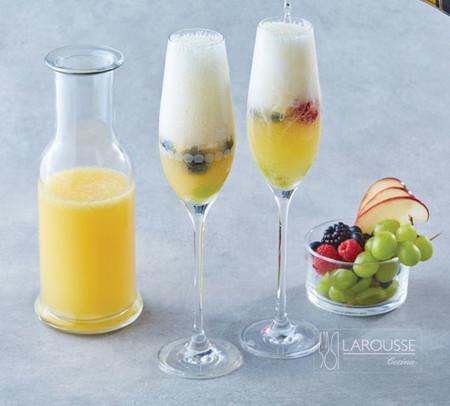 Vino con frutas. Receta fácil de bebida