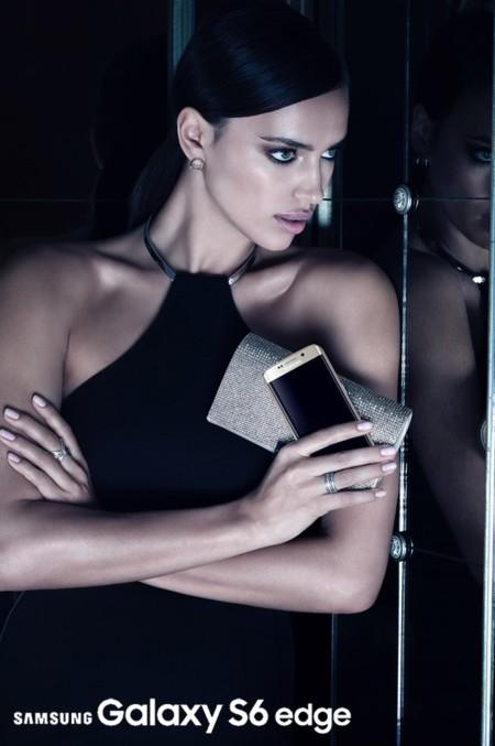 Irina Shayk Samsung Galaxy S6