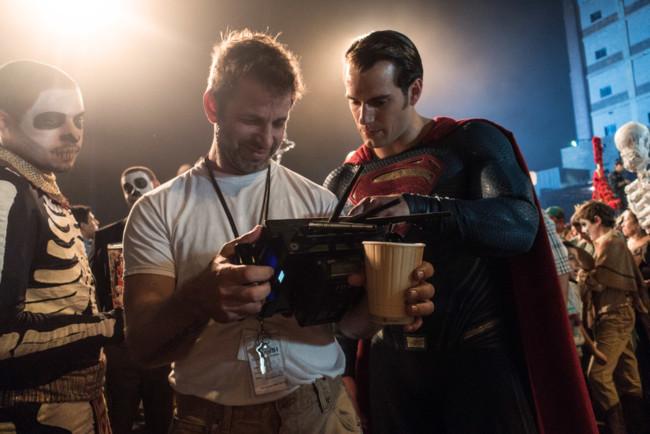 Zack Snyder con Henry Cavill