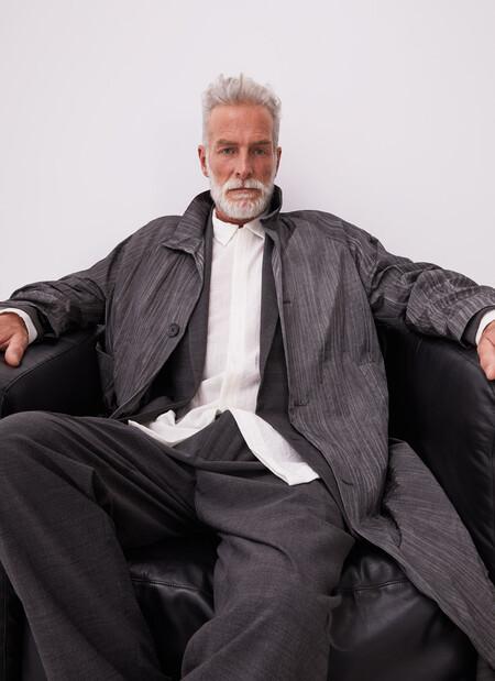 Informal y sartorial: el look de otoño que conquistará tu armario en lo nuevo de Adolfo Domínguez