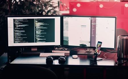 """¿Qué es mejor para tu productividad, pantalla panorámica de 24"""" o tener dos más pequeñas?"""