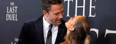 """Jennifer López y Ben Affleck derrochan amor en la alfombra roja del estreno de """"The Last Duel"""" en Nueva York"""
