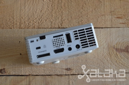 3M MP410 prueba xataka  conectividad