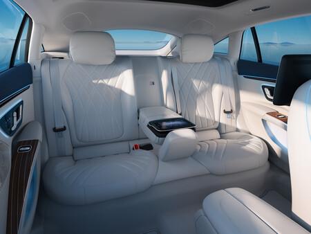 Mercedes Benz Eqs 54