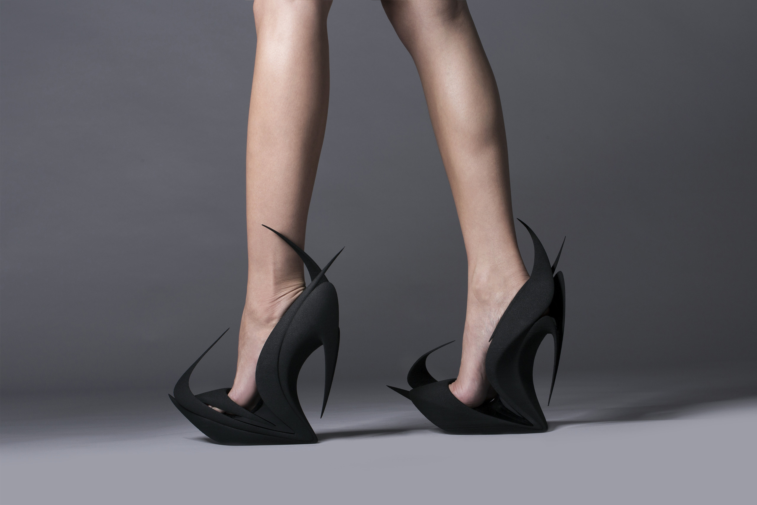 5ea8cc202972f Los zapatos del futuro vienen en 3D y son de United Nude ...