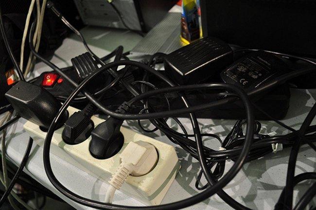 Cables eléctricos y ladrones