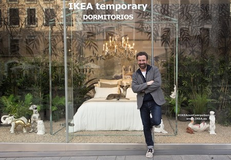 Guille García-Hoz interpreta su dormitorio ideal en el escaparate de IKEA Serrano