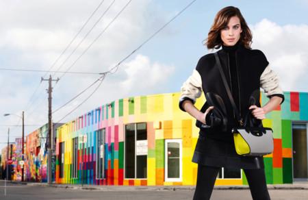 Suma y sigue: Alexa Chung imagen de Longchamp y ya van cuatro temporadas