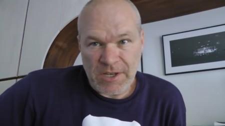 El peor director de cine ha conseguido  más espectadores insultando a sus fans en Youtube que con cualquiera de sus estrenos
