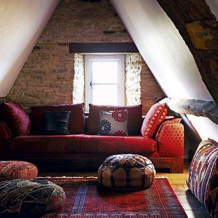 Un salón bohemio con estilo