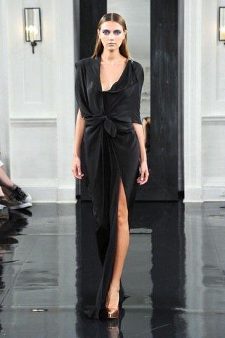 Victoria Beckham, Primavera-Verano 2011 negro