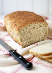 Receta de pan de quinoa amasado en amasadora