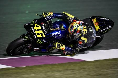 Pilotar y aprender con Valentino Rossi tiene precio: 7.000 euros, de momento, destinados para causas benéficas
