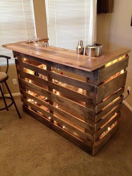 17 ideas para tener tu bar en casa for Bar en madera moderno