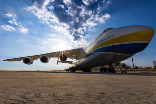 Antonov An-225, el avión más grande del mundo pesa 285 toneladas y lleva operativo desde 1988