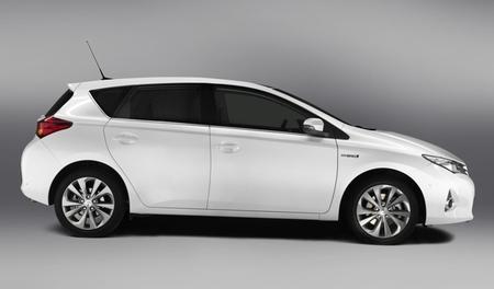 Toyota Auris Híbrido 2013 02
