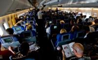 Si tu compras yo también: esta es la influencia social de las compras dentro de un avión
