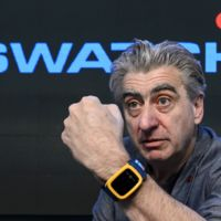 En Swatch consideran que el Apple Watch es un juguete interesante, ellos preparan un modelo más simple con NFC