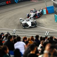 Mercedes y Porsche triunfan en su estreno con los coches eléctricos: doble podio en el debut de la Fórmula E