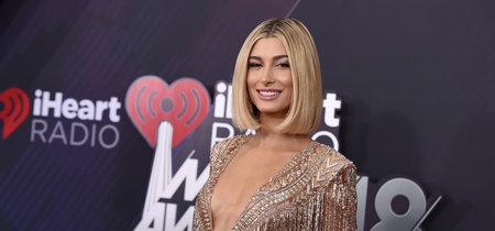 Los seis (estupendos) peinados de Hailey Baldwin con los que conquistó los iHeartRadio Music Awards