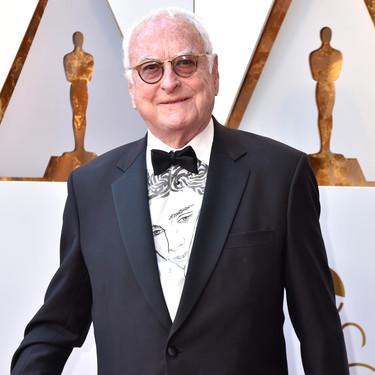 La camisa de James Ivory en los Oscars con la cara de Timotheé Chalamet ahora podrá ser tuya