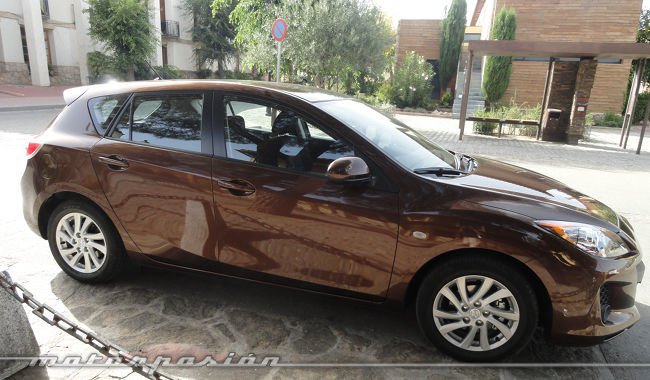 Mazda3 1.6 CRTD 115 cv equipamiento Mirai