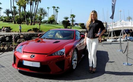 Ya está en Canarias el primer Lexus LFA español