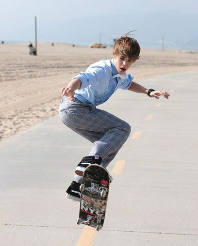 Justin Bieber posando (por decir algo) para la Teen Vogue