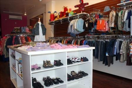 En Internet se pueden encontrar muchas tiendas de ropa infantil con mucha información de valor