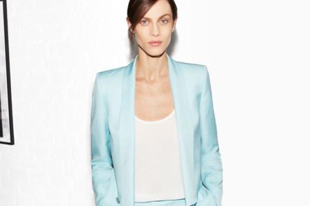 Zara se obsesiona con los looks de oficina y el estampado floral en su lookbook del mes de abril