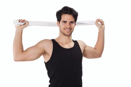 13 ejercicios con toalla para trabajar todo el cuerpo en casa